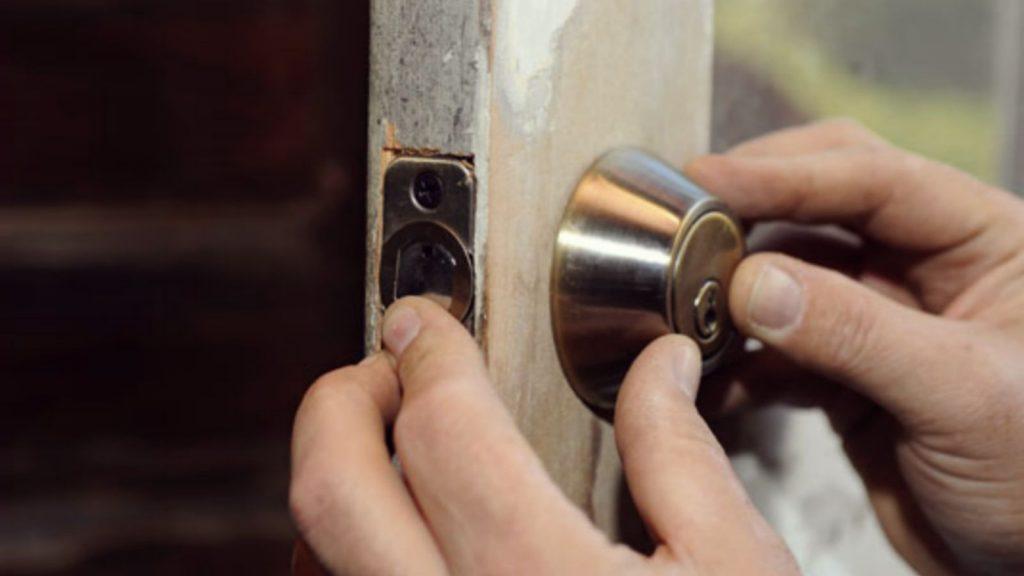 door repair in Scugog
